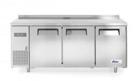 Stół chłodniczy Kitchen Line 3-drzwiowy z agregatem bocznym, linia 600 l Arktic